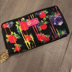 Luv Betsey by Betsey Johnson Wallet NWOT